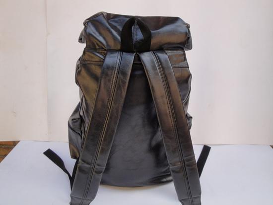 大容量双肩包书包背包学生