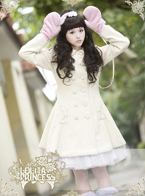 洛丽塔公主品牌洋装经典可爱娃娃白色西门町时尚淑女