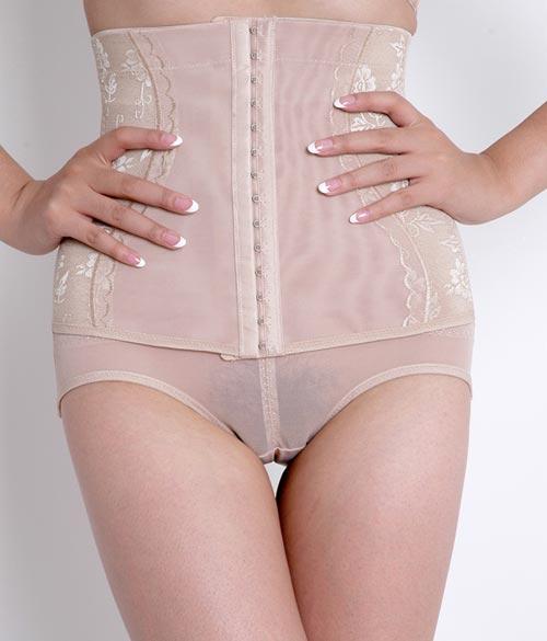 翘臀美臀翘臀美女女人穿贴身裤的样子