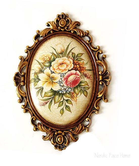 椭圆形雕花边框充满欧洲古典贵族气质