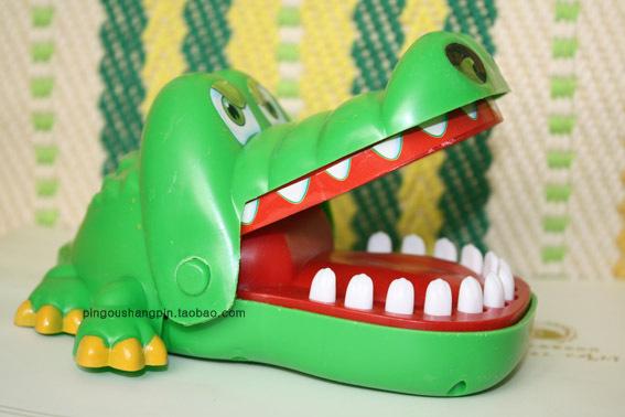 鳄鱼玩具鳄鱼会咬人手指玩具大嘴巴鳄鱼